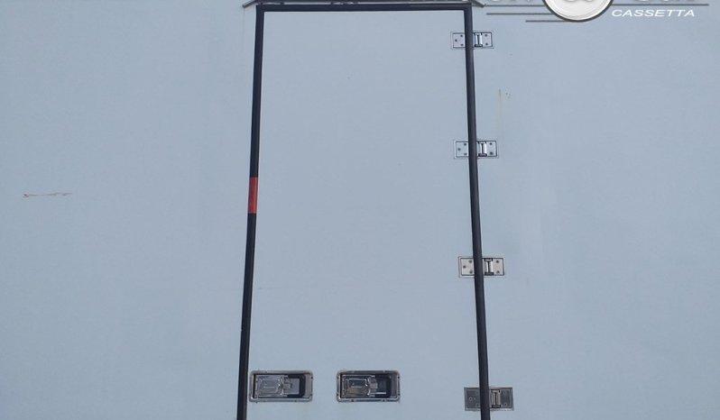 CASSA ISOTERMICA CON GRUPPO FRIGO – 8.80 m completo
