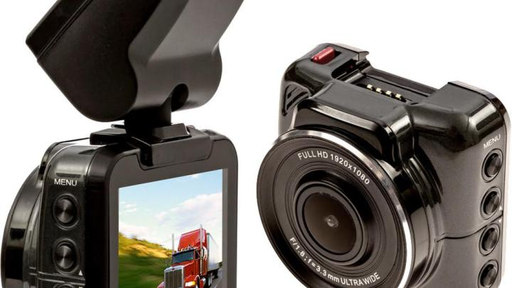 Falconeye Trucker Dash Cam Review