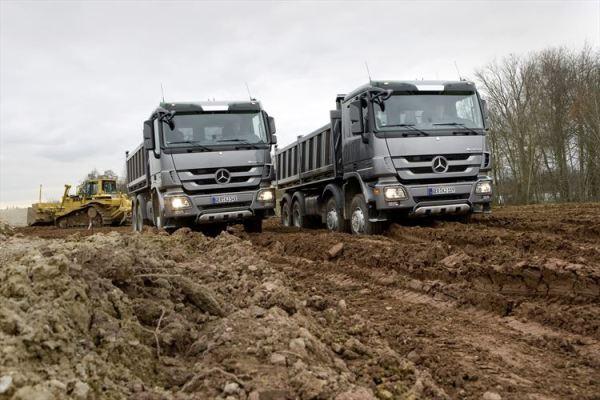 Daimler Trucks & Buses Mercedes-Benz Actros 2