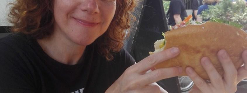 ¿CÓMES POR ANSIEDAD? PRACTICA EL NUEVO MÉTODO DE MINDFUL EATING  Foto de %title