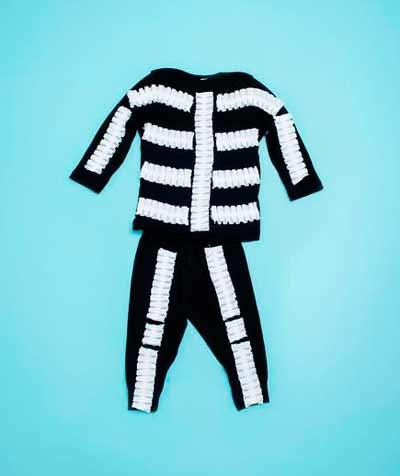 disfraz casero de halloween para niños: esqueleto muy fácil