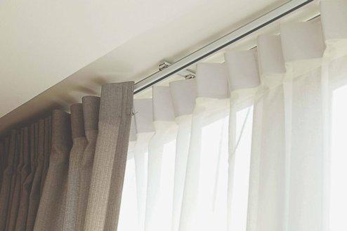 Riel de cortinas