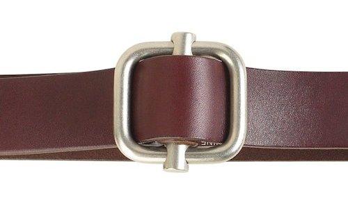 Agujero en cinturón de piel