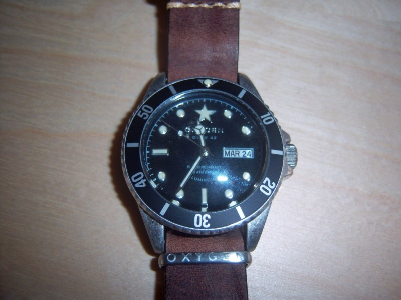 Moby Dick 40 Oxygen Watch