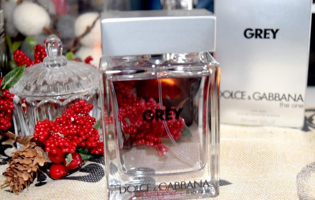 5d1754a8315e The One Grey Dolce   Gabbana, un jus boisé aromatique - test   avis
