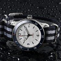 Sélection de montres à bracelet NATO à moins de 250 euros