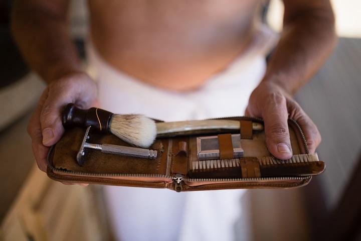 Le matériel du rasage à l'ancienne
