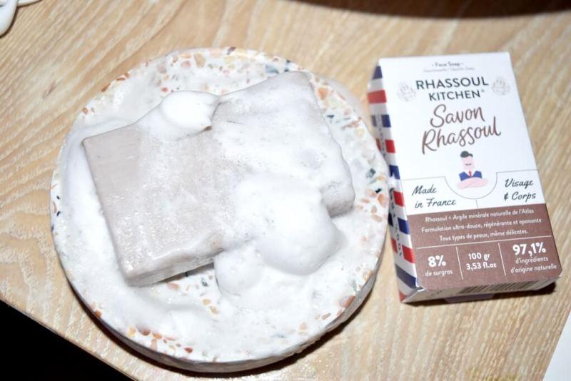 Test du savon au rhassouf The Happy Face Box Monsieur Barbier
