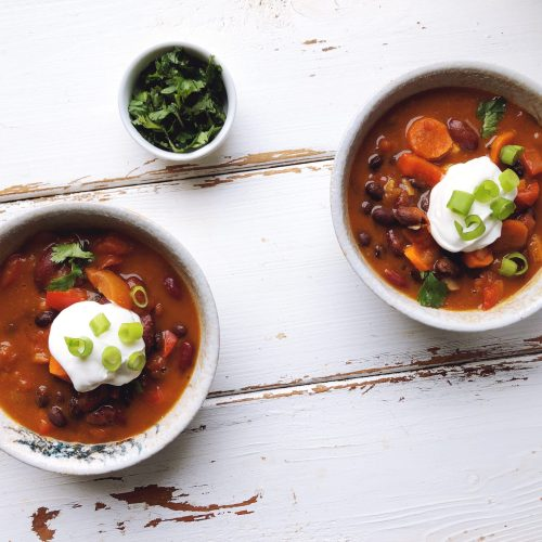 This Slow Cooker Vegetarian Pumpkin Chili is the ultimate comfort food and is packed with flavour and nutritious ingredients like pumpkin!