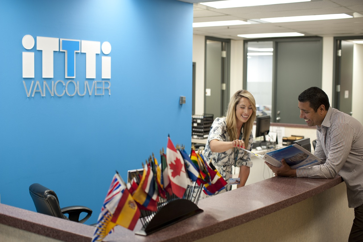 4 semanas de curso no ITTTI Vancouver com Acomodação