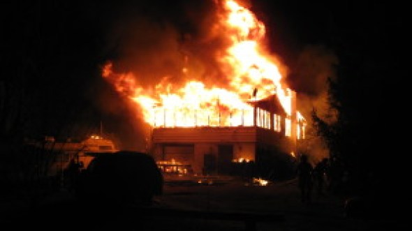erbs-bridge-house-fire-005