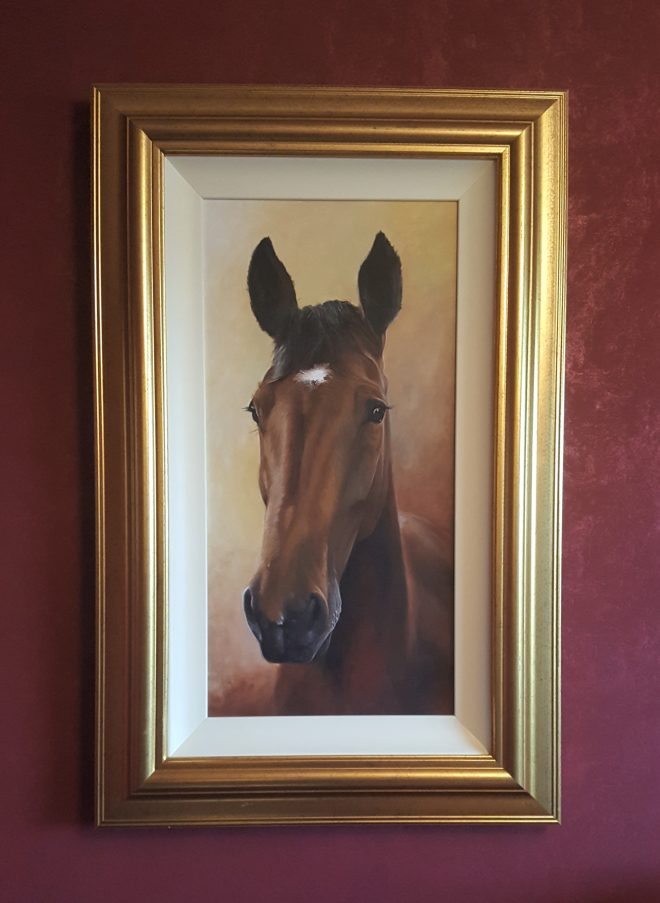 brown-horse-painting-framed