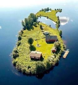 A small island in Rovaniemi, Finland :o
