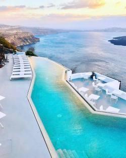 Santorini is the dream