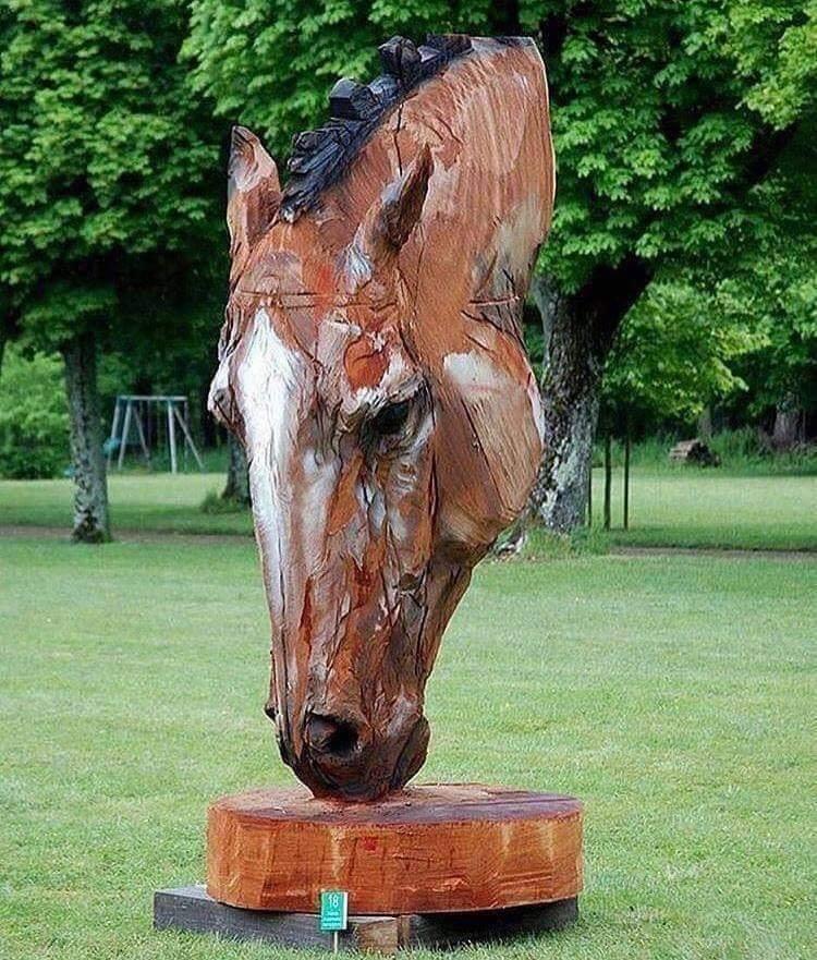 'Sky Horse' – Chainsaw Wood Carving by Jürgen Lingl-Rebetez Artist (Y)