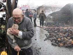 Love is everything when his house burned to the ground he made sure to save his biggest treasure