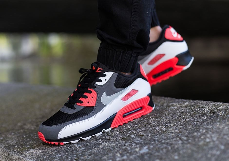 pick up 9bf1a 25685 Nike Air Max 90 Essential Black / Red New Men's Trainers
