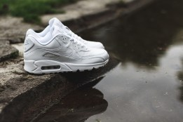 timeless design 018df 617b1 Nike Air Max 90 Essential All Leather Triple White