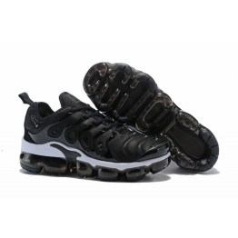 on sale 05e03 5513b Nike Air VaporMax Plus Black White 924453-010