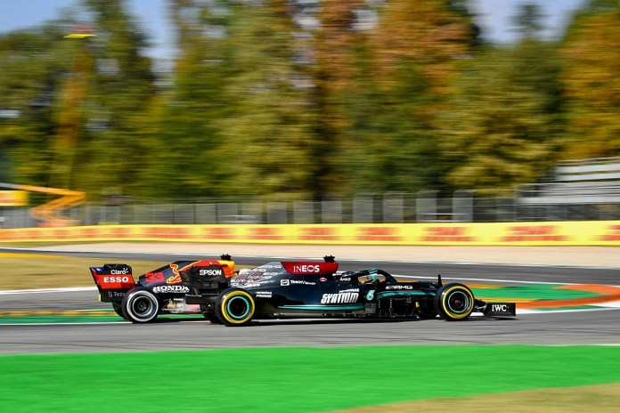 Hamilton: Pressure of first F1 title shot may be impacting Verstappen