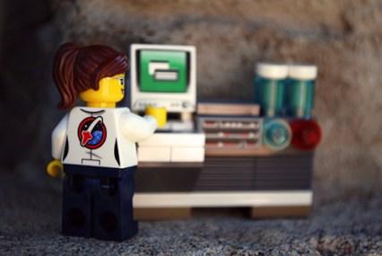 LEGO Space Starter Set scientist rear view