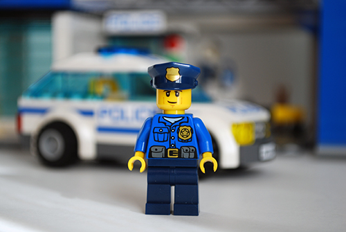 LEGO 60047 - Cop 1 front view