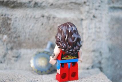 LEGO 76075 - Wonder Woman rear view