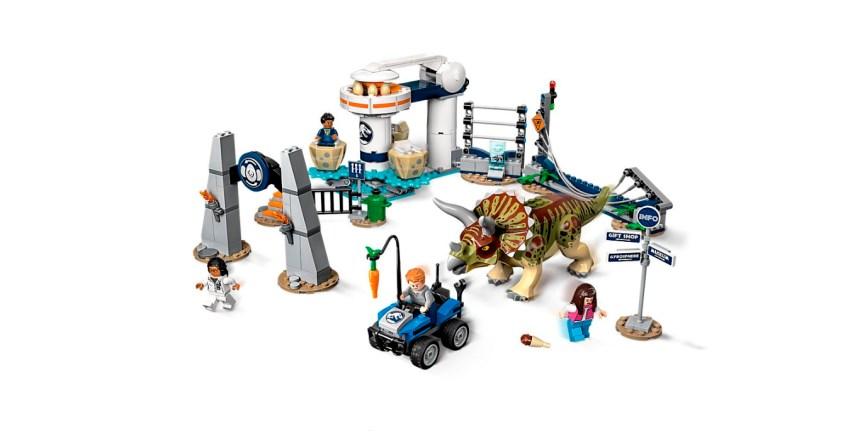 LEGO Tricertops Rampage set.