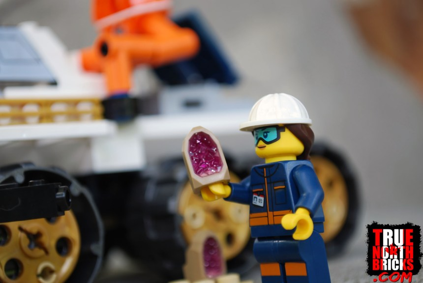 Minifigure with geode.