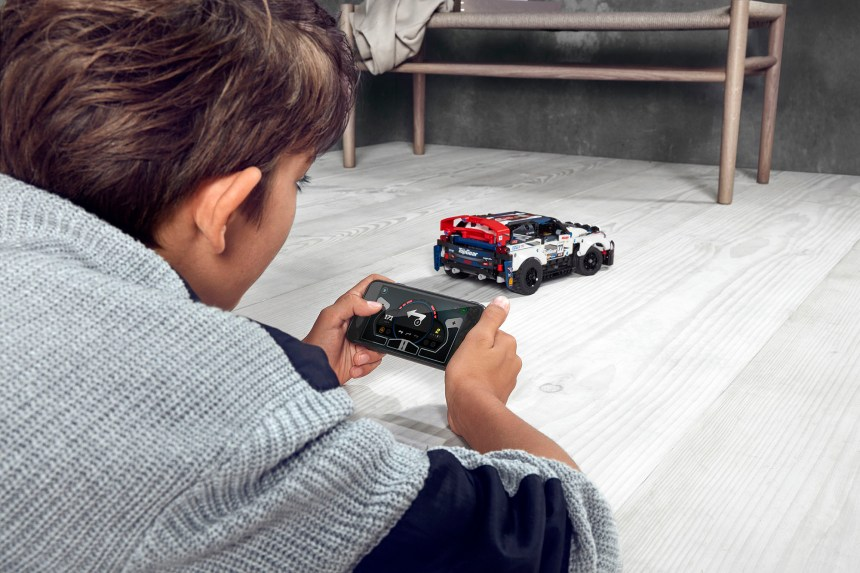 App controlled Technic Top Gear Rally Car