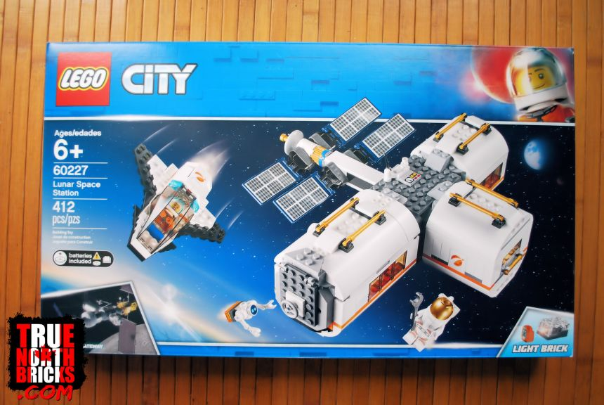 Lunar Space Station (60227) front box art.