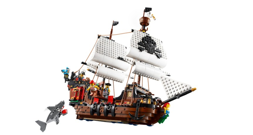 Summer 2020 Creator 3-in-1 Pirate Ship