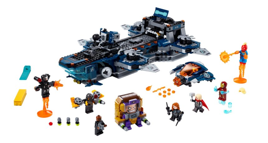 Summer 2020 Superheroes Avengers Helicarrier set