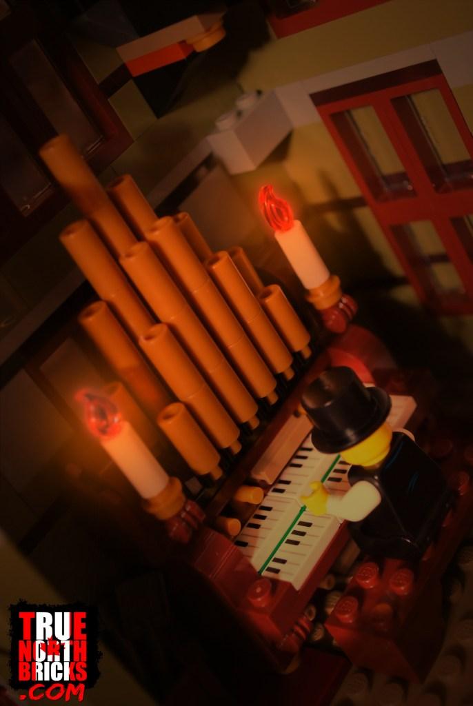 Haunted House (10273) organ.