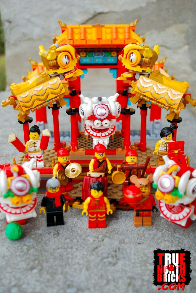 Lion Dance (80104) kit contents.