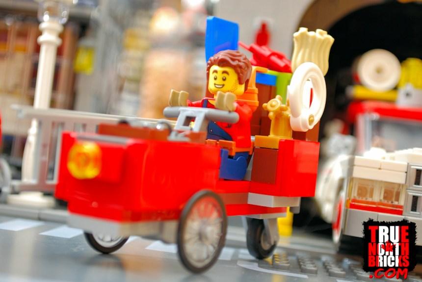 Handyman Wagon in Main Square (60271)