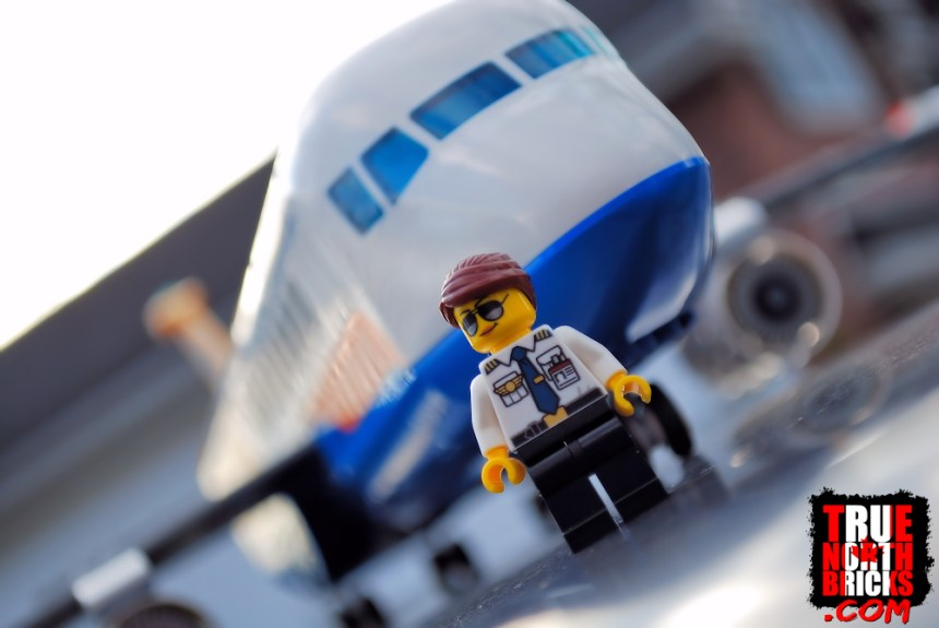 Passenger Airplane (60262) and pilot.