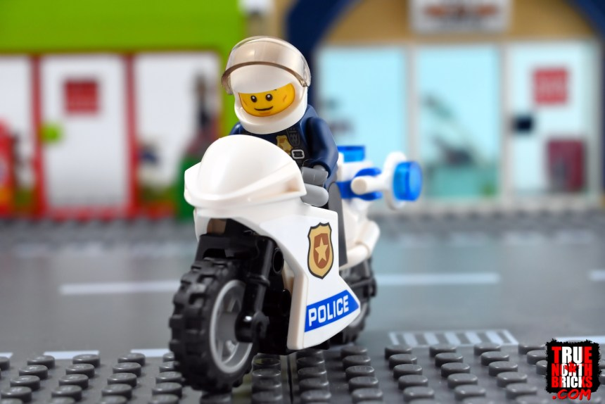 Police Motorcycle from Donut Shop Opening (60233)