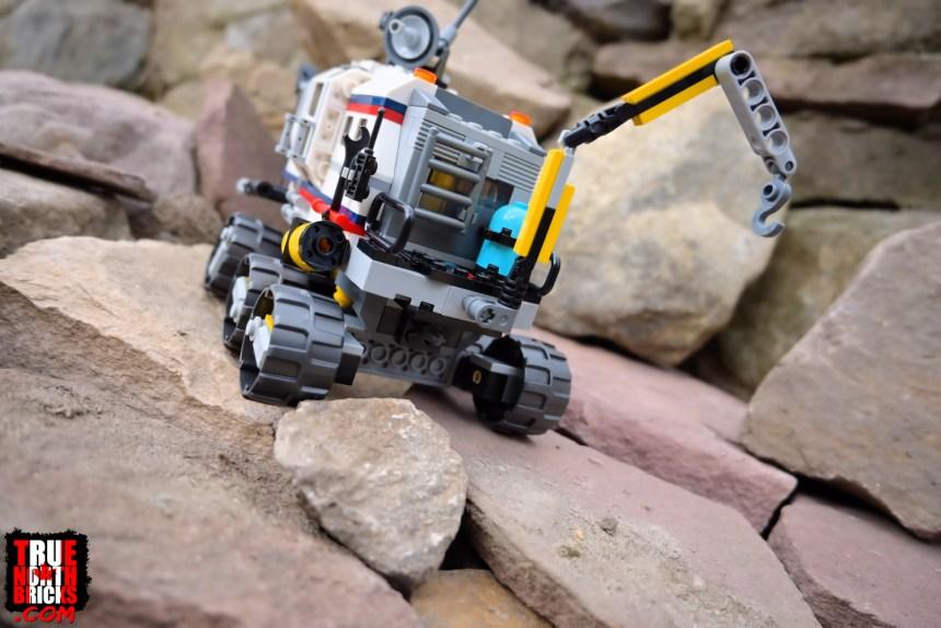 Space Rover Explorer (31107) rear view.