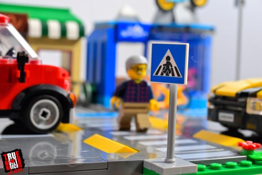 Shopping Street (60306) crosswalk