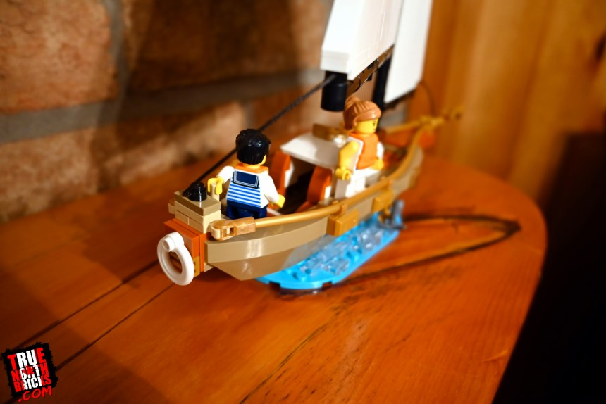 Sailboat Adventure (40487) rear view.