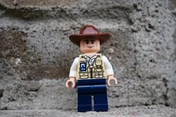 LEGO Jurassic World Vet Front View