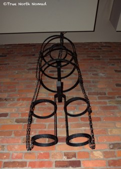 gibbet or bird cage