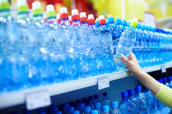 Industry calls on Philip Hammond to weaken planned plastics tax