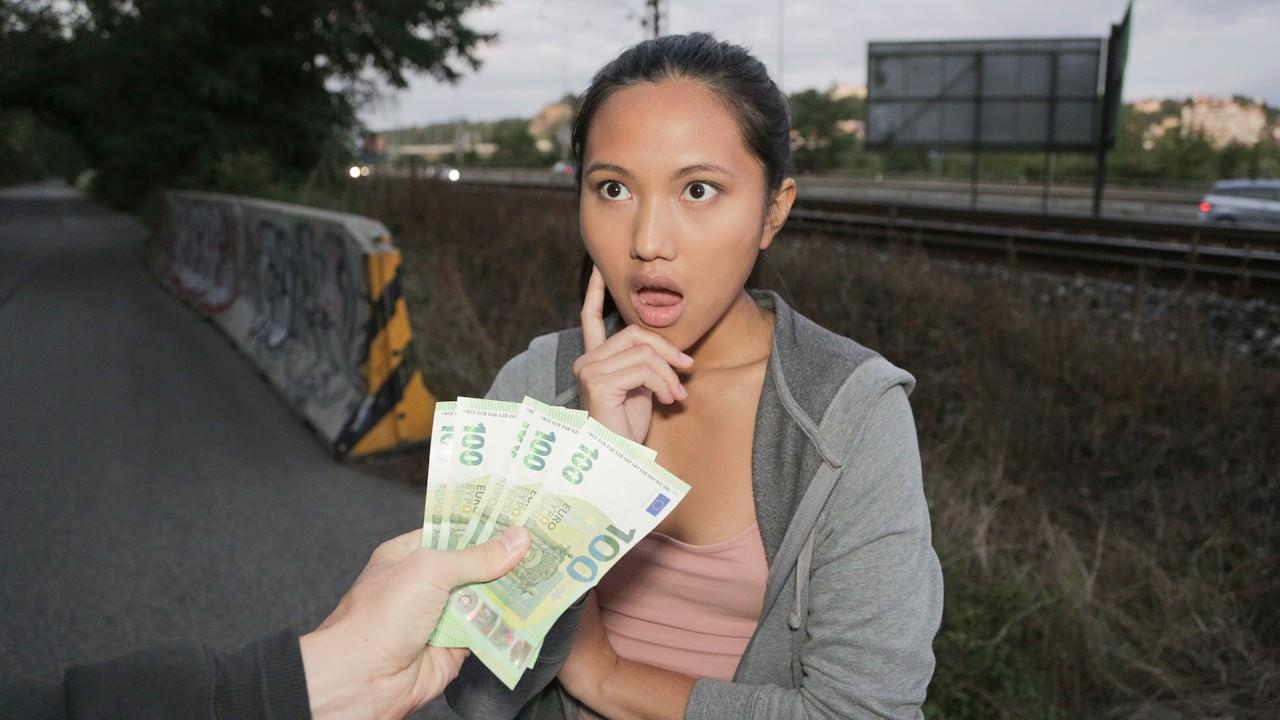 Experimentando buceta uma asiatica - Public Agent - True