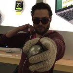 VIDEO: Disgruntled Apple customer smashes up store