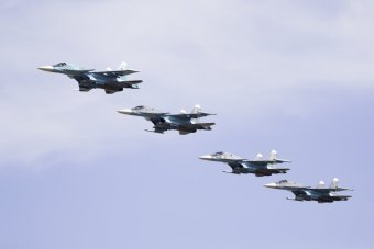 here-russian-su-34-bombers-fly-in-formation
