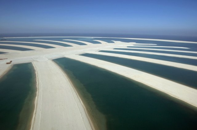 the-burj-al-arab-hotels-success-inspired-one-of-the-most-ambitious-building-projects-ever-undertaken-the-palms-a-chain-of-manmade-islands