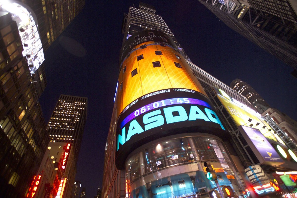 GREAT AGAIN: S&P, Nasdaq notch record close; Apple hits all-time high