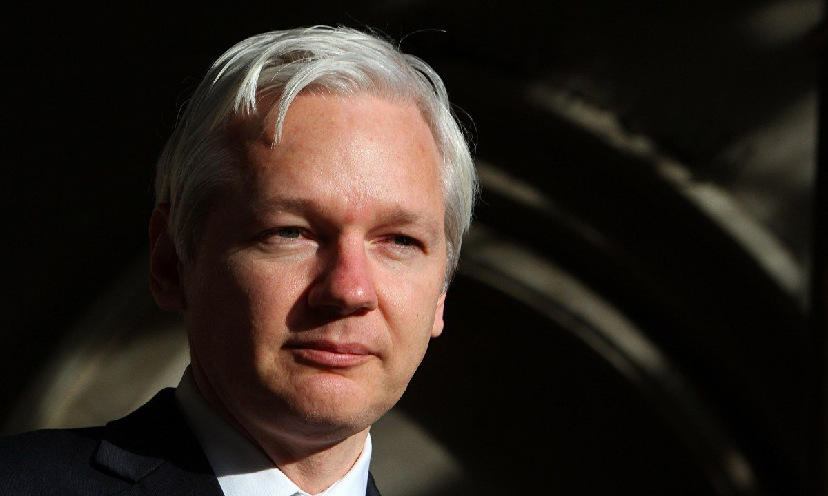 Assange Demands Sweden Drop Arrest Warrant